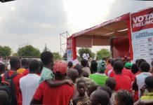 Filipe Nyusi deu comicio em Ribaue e prometeu emprego
