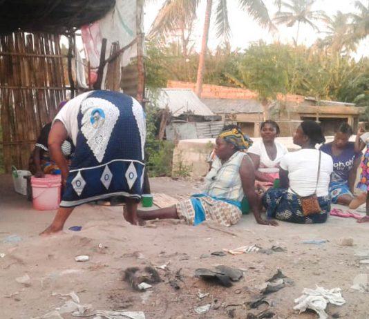 Um jovem de 19 anos viu os seus orgaos genitais estrangulados por tentar defender duas mulheres que estavam a beber cabanga na cidade de Nampual