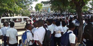 grupo de malfeitores invade escola pública no norte de Moçambique
