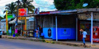 Em Nampula as pessoas bebem nas escondidas