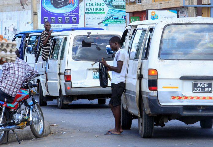 As pessoas em Nampula nao estao a usar mascaras para se prevenir da covid-19